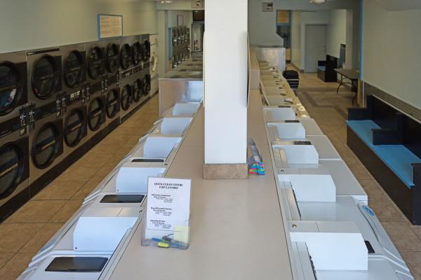 laundromat toronto